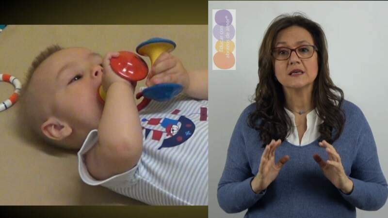 Sección 3 CLASE 5 Con sus manos, el bebé se convierte en un gran investigador.                             Video de 4,47 minutos + Libro de 5 capítulos.